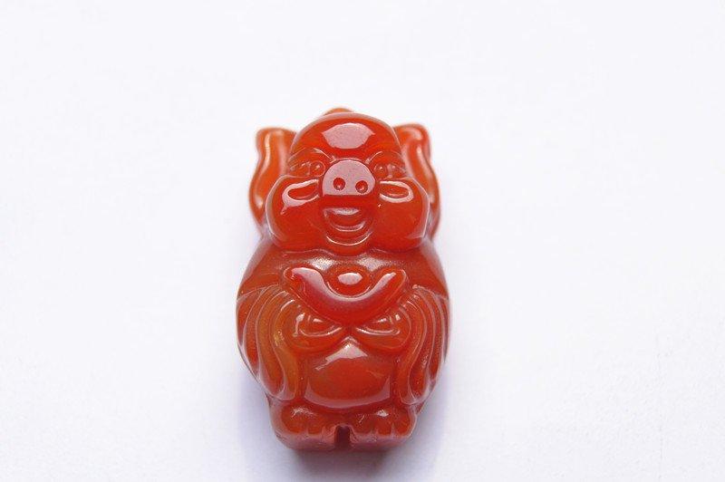 .Natural red agate send money (rich) pig pig. Auspicious necklace pendant