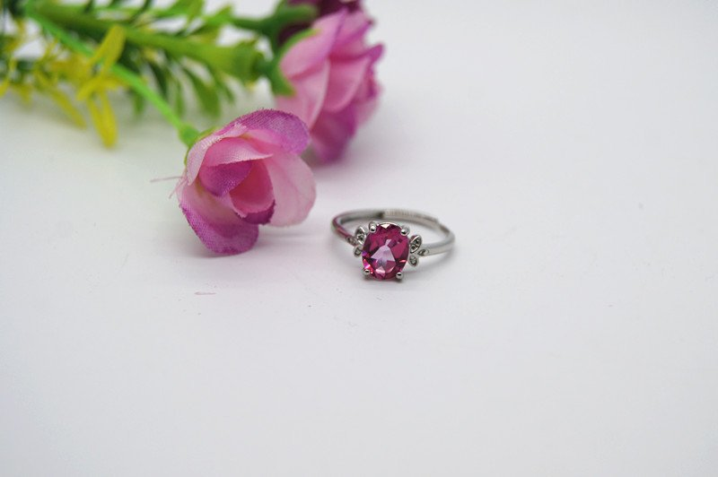 925 sterling silver studded pink topaz ring. Charm ring. The first choice for a beautiful lady