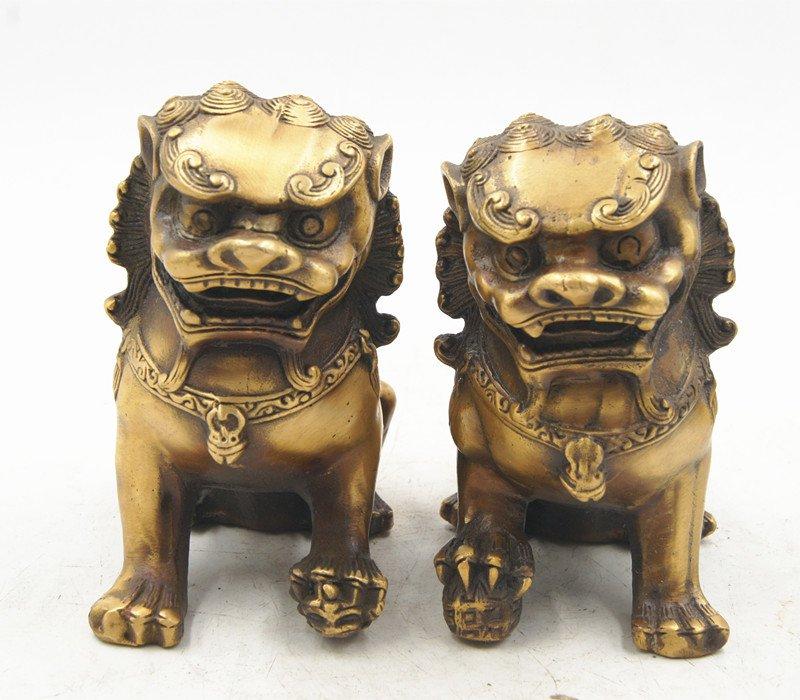 Antique bronze (year of qianlong kang xi), male lions. Small hand handle piece