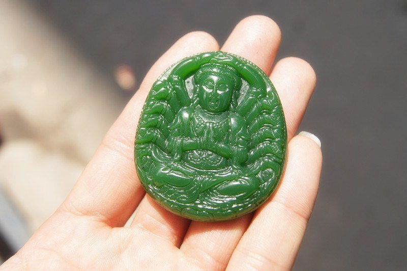 .Hand-carved Mongolian jade thousand hands guanyin, elliptical talisman necklace pendant