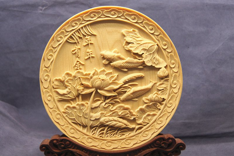 .Hand-carved yellow poplar - fruit dish (lotus pond fish). (more than a year)- handicrafts.