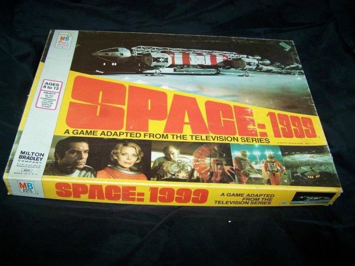 Vintage SPACE 1999 Milton Bradley Board Game COMPLETE