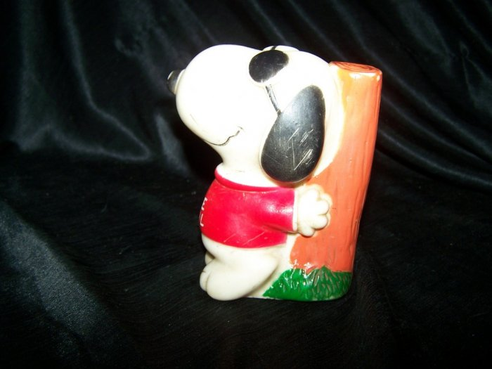 Vintage 1970s SNOOPY Figure Joe Cool Rubber SQUEAK TOY