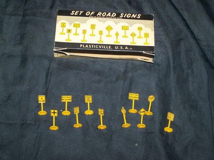 Vintage 1950s Plasticville Bachmann ROAD SIGNS Set w/Box