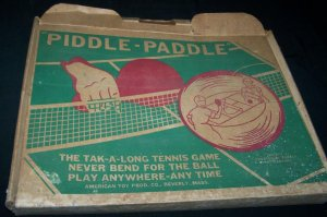 Vintage 1950s PIDDLE-PADDLE Travel TABLE TENNIS Set Game