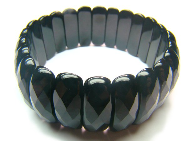 BONXOS1014C Onyx Semi Shape 8x25mm Cut Bracelet