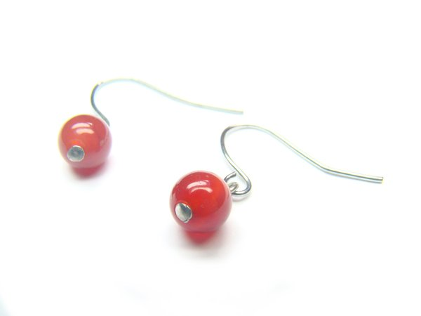 EAGXRS0600C Red Agate Round Shape 6mm Earrings