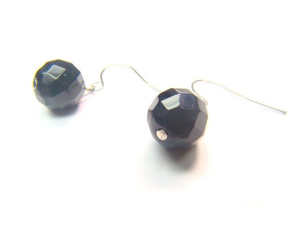 EONXDO0306X Onyx Round Shape 10mm Cut Earrings