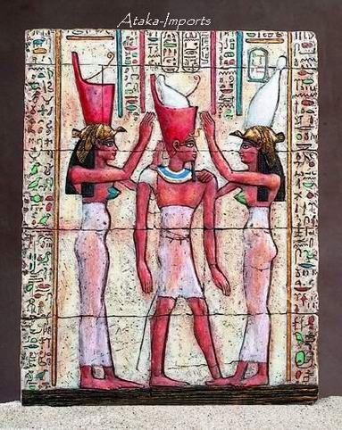 EGYPTIAN PHAROAH CROWNED BY NEKHBET-WADJET PLAQUE (5160s)