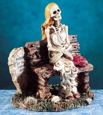 NEW-SKELETONS STATUE-WAITING 4 A PERFECT MAN-HALLOWEEN (5450)