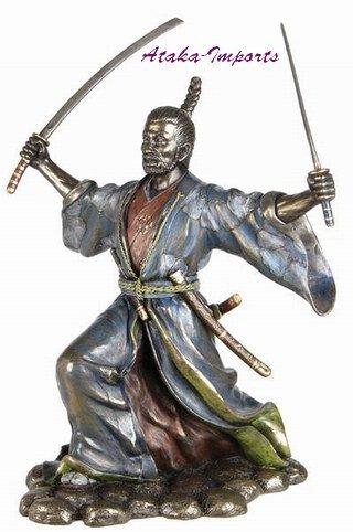 JAPANESE SAMURAI BUJUTSU STATUE -BRONZE APPEARANCE (6374)
