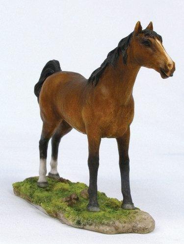 ARABIAN-HORSE-FIGURINE-STATUE (6666)