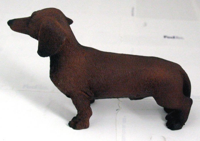 RED DACHSHUND DOG FIGURINE (5130s)