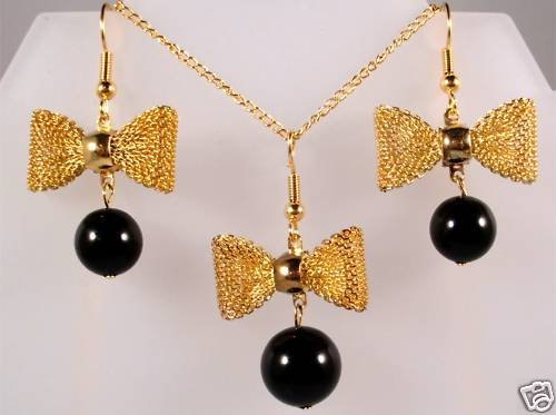 RARE Xmas Party Gift Bow-tie-ful Crystal Pearls Set made with SWAROVSKI ELEMENTS
