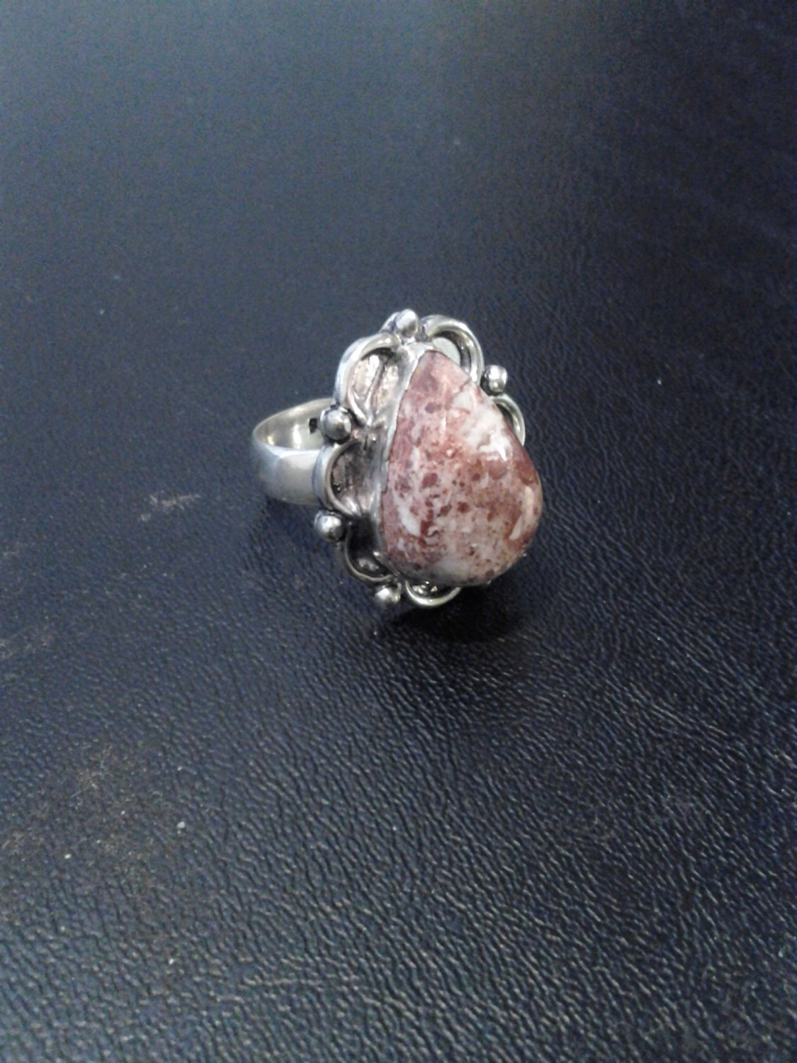 Brand New Beautiful Flower Design Silver Pink Stone Ring SZ8.25