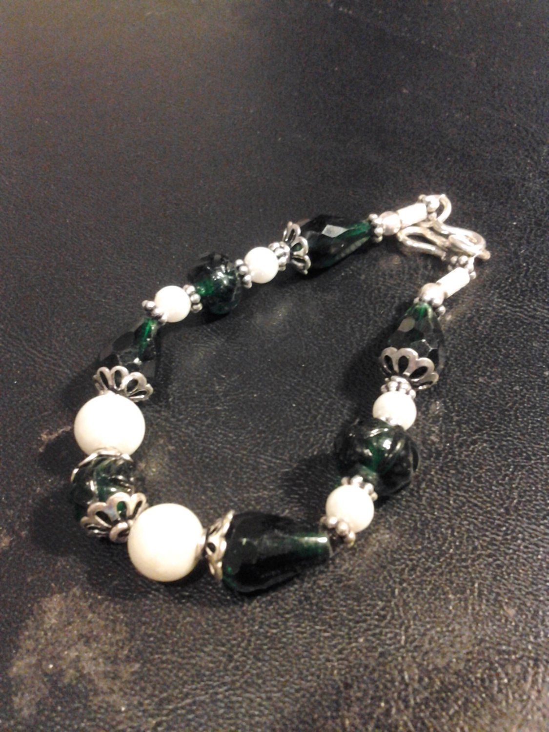 Brand New Beautiful Green Stone and White Elegant Pearl  Bracelet