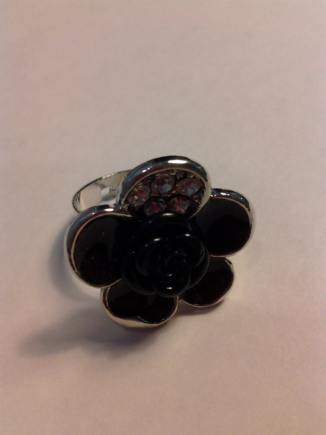 Brand New Beautiful Black Flower Adjustable Sliver Ring With Bling