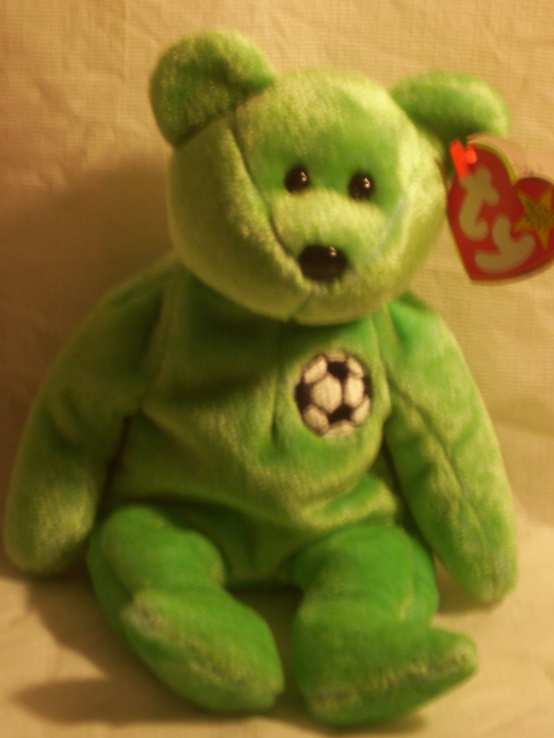 "Kicks ""the soccer bear""**RETIRED**Ty beanie baby"