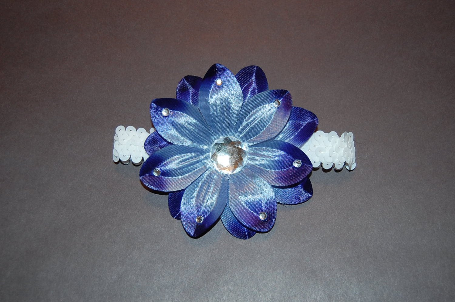 "4"" Tropical Lilly with Embellishments, 1"" Sequined Headband- Navy Blue/White"