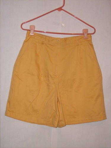 Liz Claiborne Lizsport Yellow Pleated shorts size 12