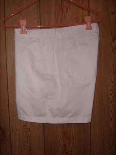 Lee Performance Khakis White Shorts size 10 M