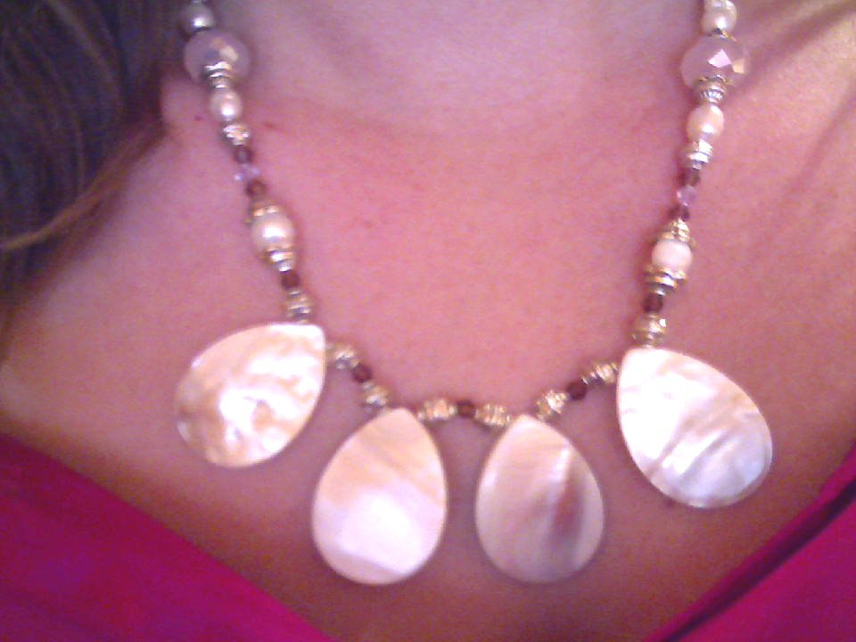 Mother of Pearl pendant necklace set