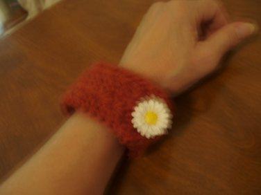 Merino wool crocheted bracelet daisy rust