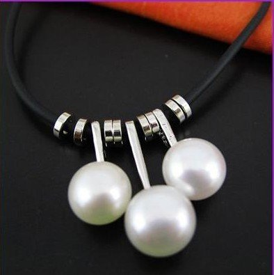 Natural white pearl pendants classical style of three beads hang necklace (X19)
