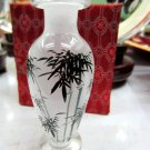 The beauty of the manual painting the painting vase bamboo