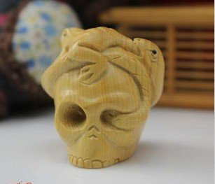 Boxwood carving hammer a skeleton head the suspension frog snake