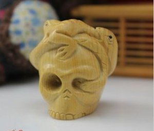 Boxwood carving hammer a skeleton head the suspension frog snake
