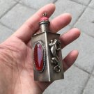 The Chinese folk old Tibetan silver is the snuff bottle.