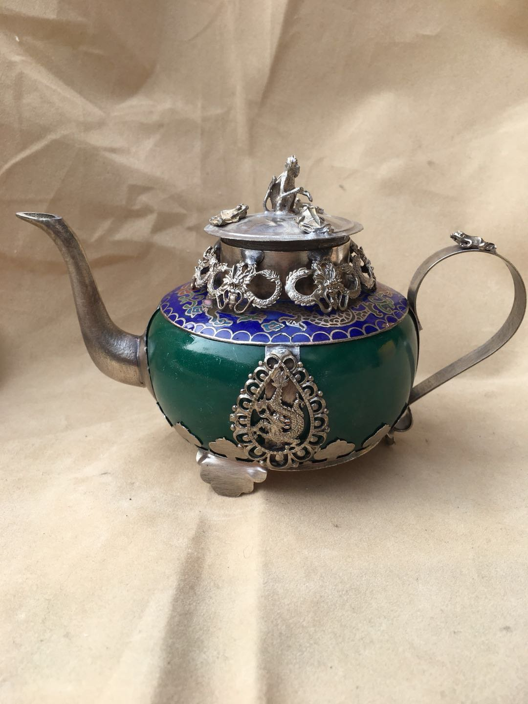 Chinese ancient jade outsourcing Tibetan silver wine pot  A4