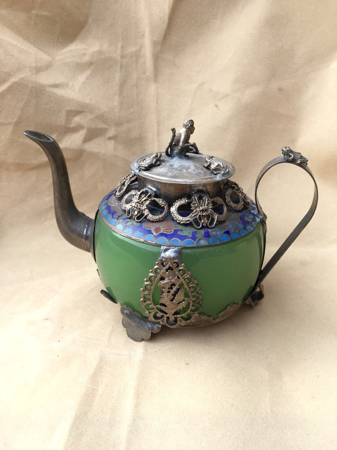 Chinese ancient jade outsourcing Tibetan silver wine pot  A8