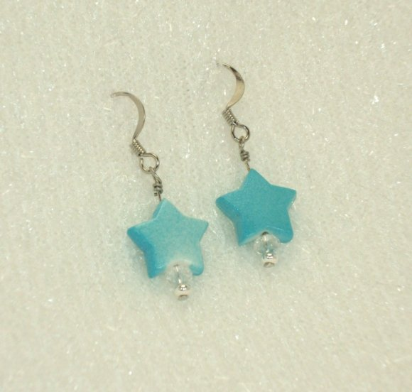 Baby blue star earring