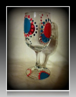 Pink and Blue Dots 8oz. Wine Glass