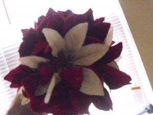POINSETTIA VELVETEEN FLOWER KISSING BALL