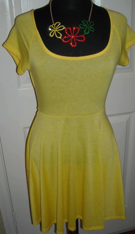 URBAN ROSE VINTAGE SHORT YELLOW DRESS SIZE L (NEW)