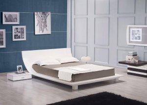 Story White Platform Bed & 2 Nightstands