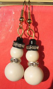 Snowman Earrings Handmade Beaded Christmas Holiday Fashion Gold Tone Sparkle