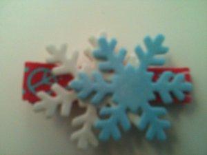PEACE & SNOWFLAKES