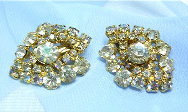*Diamond-shaped Vintage Earrings; Large Clear  & AB Rhinestones, Goldtoned Mounting