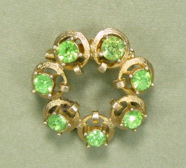 *Pretty Peridot!  Dainty Vintage Brooch/Pin of Textured Goldtoned Circles Centered w/Rhinestones