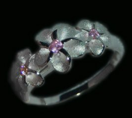 Hawaiian Flower Sterling Silver Ring: shipped from Hawaii