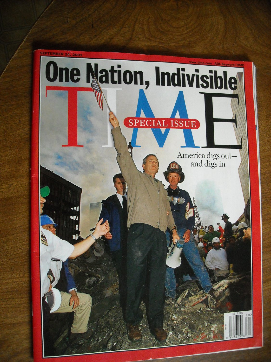 Time Special Issue One Nation, Indivisible America Digs Out and Digs In September 24, 2001 (G1)