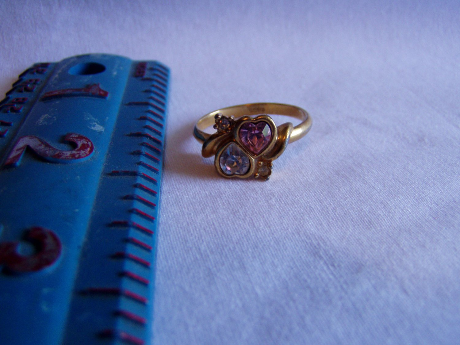 Avon Two Hearts Pink and Clear Crystal Gold Tone Size 9.5 Ring (r 39)