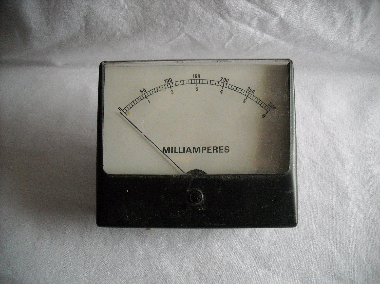 Simpson Milliamperes 0-300 Meter (DS1)