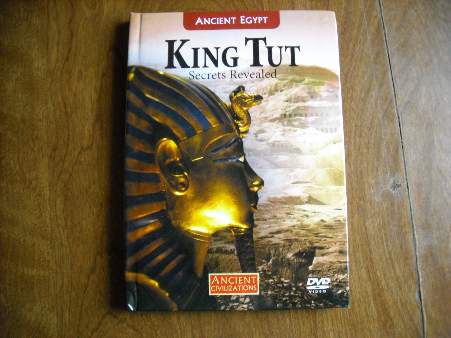 King Tut Secrets Revealed Ancient Civilizations 24 page booklet (2008) with DVD (2007)