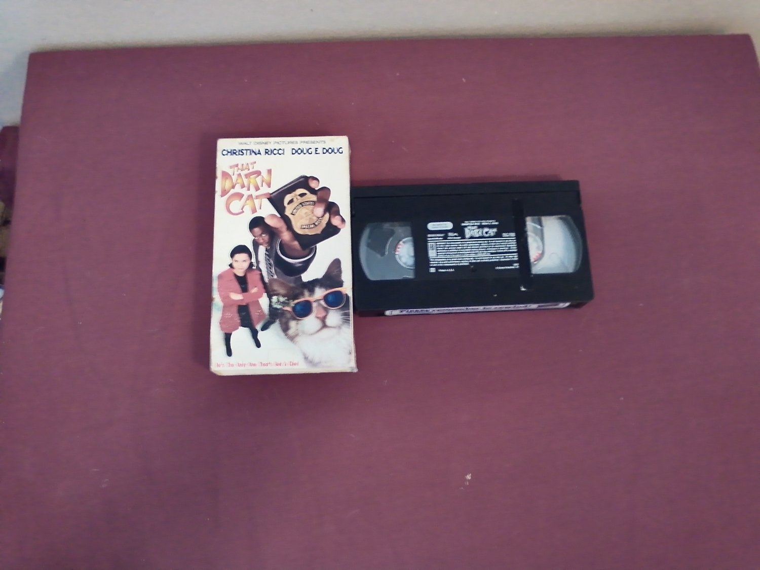 That Darn Cat VHS Christina Ricci / Doug E. Doug VHS PG Walt Disney (1997)
