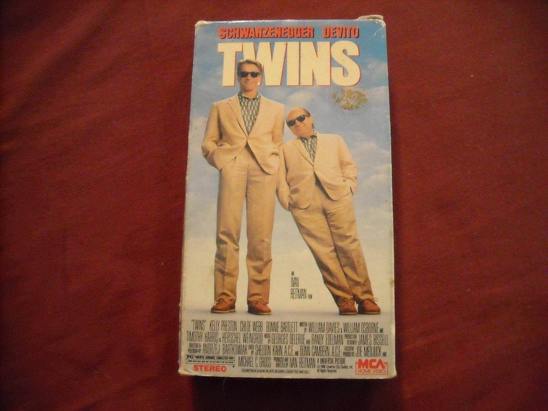 Twins (1989) Arnold Schwarzenegger, Danny Devito Rated PG